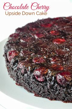 Chocolate Cherry Upside Down Cake. So quick & easy to prepare! Chocolate Cherry Upside Down Cake. A super quick and easy dessert that makes a wonderful weekday treat. This delicious cake will help you make it through Hump Day Cherry Desserts, Cherry Recipes, Köstliche Desserts, Chocolate Desserts, Delicious Chocolate, Chocolate Cake With Cherries, Chocolate Butter Cake, Chocolate Brownie Cake, Health Desserts
