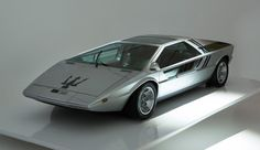 1971 MASERATI BOOMERANG - designed by ItalDesign / Giorgetto Giugiaro. Concept first revealed at 1971 Turin Motor Show, working prototype presented 1972 Geneva Auto Salon.