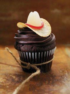 Cute Rodeo cupcake idea!!