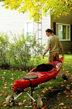 This is so easy, it's embarrassing.  Here is how to make your own kayak cart out of an old golf bag cart. #KayakStorage