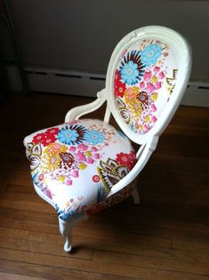 Victorian chair makeover - love the use of Anna-Maria Horner fabric Repurposed Decor, Fun Decor, Redo Furniture, Chair Makeover, Revamp Furniture, Victorian Chair, Chair, Love Chair, Vintage Chairs