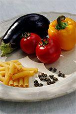 Pasta med grillad auberginesås - http://www.dn.se/mat-dryck/recept/pasta-med-grillad-auberginesas#