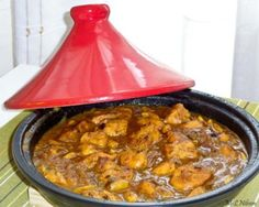 Tajine with chicken and dates - International Food Lebanese Recipes, Indian Food Recipes, Asian Recipes, Vegetarian Recipes, Cooking Recipes, Healthy Recipes, Ethnic Recipes, Comida Armenia, Comida India