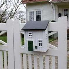 mailbox that looks like a house