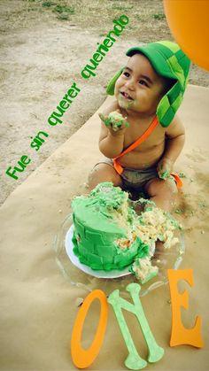 El chavo del ocho Party, cake smash #elchavodelocho #cakesmash 1 Year Birthday, Kids Birthday Themes, Baby First Birthday, First Birthday Parties, First Birthdays, Mexican Party, Party Cakes, Holloween Desserts, Party Time