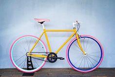 フォロワー1,557人、フォロー中1,800人、投稿278件 ― Cocci Pedaleさん(@cocci_pedale)のInstagramの写真と動画をチェックしよう Baby Bike, Gears, Bicycle, Cabin, Painting, Instagram, Veil, Bicycles, Urban Bike