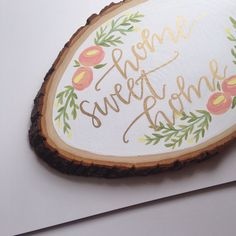 Wood slices add a beautiful rustic feel to any space! Whether it be for your gallery wall at home or a special little piece for your wedding, wooden slices can be the perfect addition!  Each slice is hand-painted with love and sealed with an acrylic sealant to ensure your design will last. Size, shape, and look of the wood does vary slightly - approximate height is 9-10.  Each piece is ready to be hung, with hardware attached.  >> Because this item is MADE TO ORDER, different color schemes…