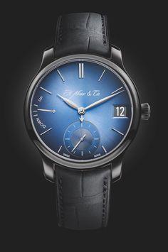 Smartwatch Endeavour Perpetual Calendar Funky Blue, da H. Moser & Cie. 2015