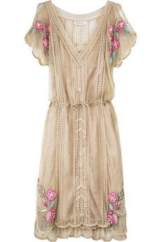 Love the '20s design and the gorgeous embroidery.