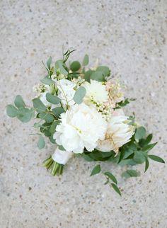 spring wedding bouquet #wedding #weddingbouquet #bridalbouquet #springwedding #bouquets