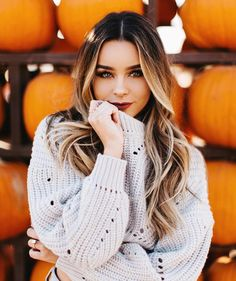 Related posts:Swedish blonde lovely colorRuby red hair color for fall timeShort haircut, grey hair color Autumn Photography, Photography Poses, Pic Tumblr, Fall Senior Pictures, Senior Pics, Cute Fall Pictures, Fall Family Pictures, Senior Picture Outfits, Pumpkin Patch Pictures
