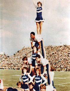 cheerleading, pyramid stunt, ku cheer, schools, old school, school pyramid, cheer fashion, cheer cheer, vintag cheerlead