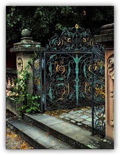 Oldrobel's Fotoreise: The gate is open