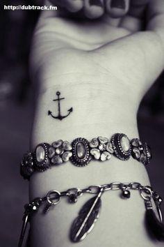 Anchor tattoo @Gloria Mladineo Mladineo Bearden Wolfgram  @Nicki Clark Clark Packard cutie!