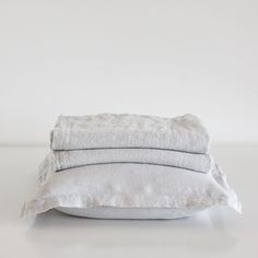 WASHED LINEN BEDSPREAD AND CUSHION COVER