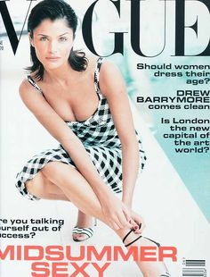 Helena Christensen, photo by Neil Kirk, Vogue UK, June 1995 Vogue Magazine Covers, Fashion Magazine Cover, Fashion Cover, Vogue Covers, Vogue Uk, Vogue Spain, Vogue Fashion, High Fashion, Top Models