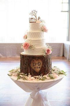 Pièce montée 2017  Gâteau de mariage rustique  gâteau de mariage glaçage à quatre niveaux texturé
