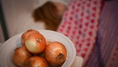 Cut Up an Onion and Leave it on Your Nightstand While Sleeping (Here's Why)