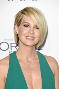 Jenna Elfman B.o.B - Jenna Elfman looked fab with her emo bob at the Elle Women in Hollywood Awards.