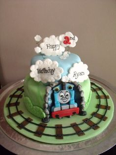 Thomas the Train cake let-them-eat-cake-and-cookies-and-etc