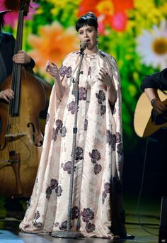 Katy Perry wearing the shower curtain last night