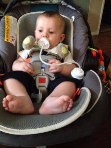 Podee Hands Free Baby Bottle! Product Review! Love this baby bottle, no hands needed!