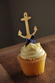 These cupcake toppers are a must have for Lisa's Nautical Baby Shower. They are so sophisticated! I love the navy and gold color combination!