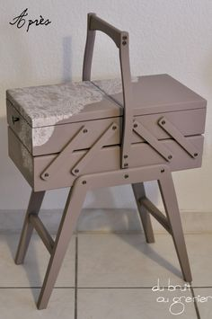 travailleuse relooking on pinterest couture sewing box and coin couture. Black Bedroom Furniture Sets. Home Design Ideas