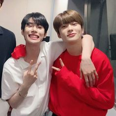 """""""you're really pretty. like a sunflower."""" in which a boy finds anoth… # Fan-Fiction # amreading # books # wattpad Jaehyun Nct, Nct 127, K Pop, Otp, Fanfiction, Hip Hop, Nct Doyoung, Jung Jaehyun, K Idols"""