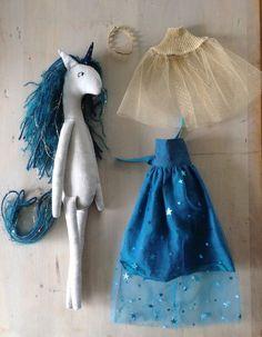 Galaxy Unicorn Diy Y Manualidades, Fabric Animals, Fabric Toys, Sewing Dolls, Soft Dolls, Diy Doll, Stuffed Toys Patterns, Sewing For Kids, Handmade Toys