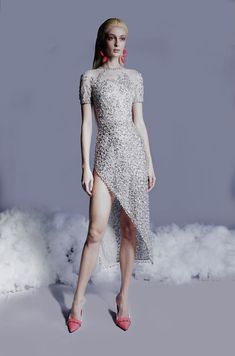 Fashion 2020, Runway Fashion, Fashion Trends, Long Evening Gowns, Georges Hobeika, Queen, Spring Summer Fashion, Beautiful Dresses, Ready To Wear