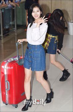 "Twice「2016 JYP NATION CONCERT」日本公演を終えて帰国""キュートな空港ファッション"""
