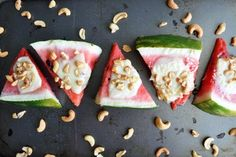 Low carb recepty s nízkym obsahom sacharidov Desserts Sains, Queso Mozzarella, Cut Watermelon, Tasty, Yummy Food, Mets, Vegetarian Cheese, Saveur, Baking Pans