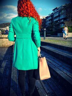 zielony wełniany żakiet z rygielkiem, marynarka, płaszcz