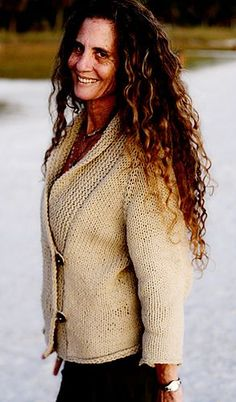 Sweater → Cardigan Suggested yarn DROPS Ice Yarn weight Bulky / 12 ply Gauge 12 stitches and 16 rows = 4 inches Yardage 580 - 1050 yards