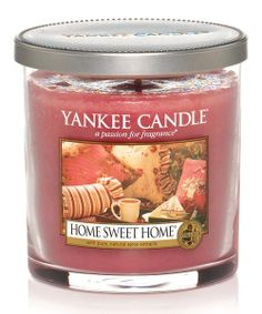 Home Sweet Home - Yankee Candle - A heartwarming blend of cinnamon, baking spices, and a hint of freshly poured tea.