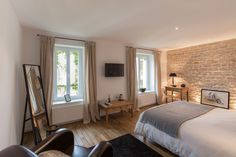 Private room of great comfort - Apartments for Rent in Nancy You are in the right place about parent Dream Bedroom, Master Bedroom, Bedroom Decor, Small House Interior Design, Courtyard Design, Parents Room, Nancy Lorraine, Lorraine France, Nancy France