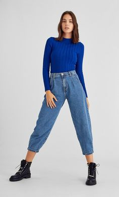 Ribbed long sleeve semi-turtleneck sweater in Stradivarius for only £ available for a limited time. Slouchy Outfit, Slouchy Pants, Pantalon Slouchy, Simple Outfits, Casual Outfits, Denim Fashion, Fashion Outfits, Outfit Goals, Knitwear