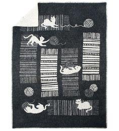 KISSAT JA KERÄT wool blanket | Polkka Jam / Lapuan Kankurit)