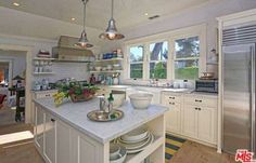 Take a look inside Lena Dunham new home.