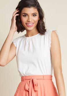 Glam Garnish Sleeveless Knit Top in White