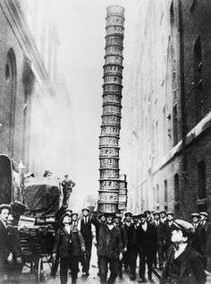 'Basket Jim' does his balancing act in Covent Garden, London, in 1930. vintagephoto.livejournal.com