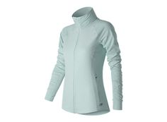 The women's Mixed Media En Route Jacket is performance ready with thumbholes for better hand coverage, reflective trims and NB DRY technology to wick sweat away fast. So you stay comfortable and prepared for whatever the day — or night — brings.