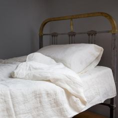 Ecofriendly, natural bedding. 100% linen ecru bedding makes you feel comfortable while sleeping. Designed and (hand)made with love by JakSen.  Linen is known as the strongest natural textile so you can be sure that you'll buy something really long-standing. It is a perfect hypoallergenic fibre, ideal not only for children. It is also known for its ability to keep cool in the summer and warmth in the winter. It interacts well with your body and makes you feel amazing and relaxed.  Size…