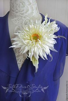 Купить Цветы из ткани Брошь из шелка Ромашка Крейзи Дейзи - белый, брошь цветок