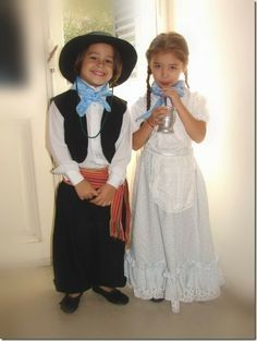 Argentina Culture, Visit Argentina, Bible School Crafts, Cowgirl Costume, Thinking Day, Beautiful Children, Girl Scouts, Traditional Dresses, Flower Girl Dresses
