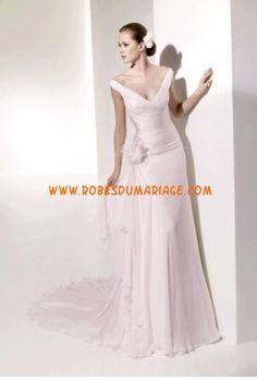 Manuel Mota belle robe de mariée évasé simple col en V ornée de fleur taffetas Style Templo