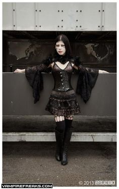 CementeryCat13 going #Goth and hanging out from #Vampirefreaks