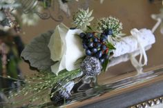 winter flower boutonnieres | Posted by Jane Thompson at 15:56