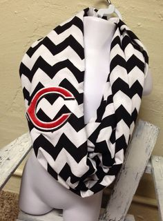 This would be so cute for the chilly games!!Black ChevronChevron Cincinnati Reds by BasketFullofCherries, $25.00